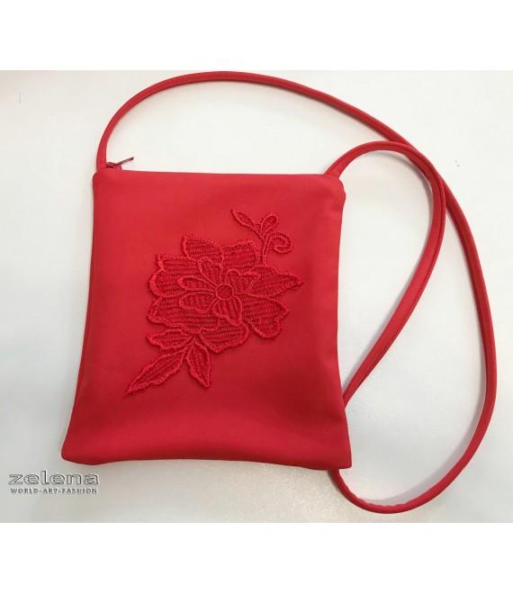 Dívčí červená kabelka s krajkou